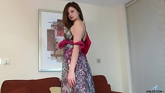 Solo Model Eva Johnson Drops Her Panties To Have Sex With Herself