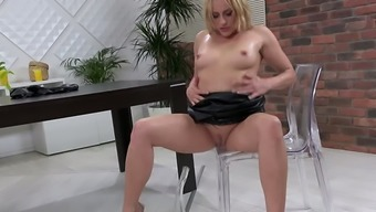 Brittany Bardot Comes With An Ass To Die For Which Certainly Hooker Is De Facto Into Pissing