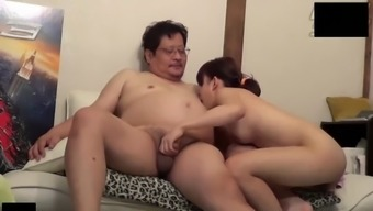 Cute Asian Teen Go Along With Uncensored Sex By Using Old Guy