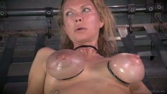 Large Breasted Mommy With Nipple Clamps On And Gets Her Muff Toyed