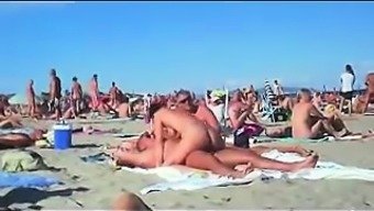 Cuckolding Inside A Topless Seaside Gets Recorded