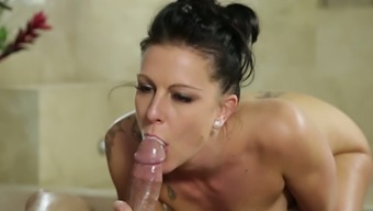 Furiously Horny Masseuse Texas Patti Fucks Her Consumer With Delight