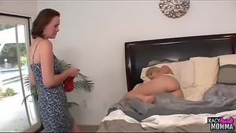 Pussylicking Stepmom Persuaded Youngster Attractiveness