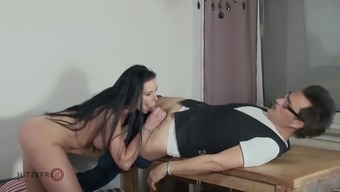 Two Cocks Top Off Over Texas Patti